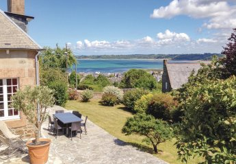 4 bedroom Villa for rent in Perros-Guirec
