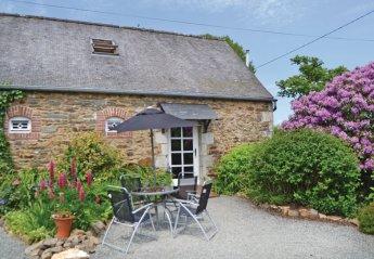 Villa in France, Callac