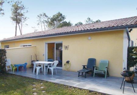Villa in Soustons Est, France