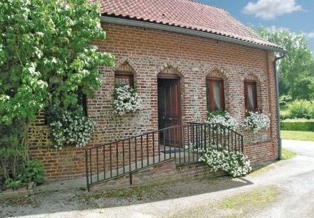 Villa in Embry, France: