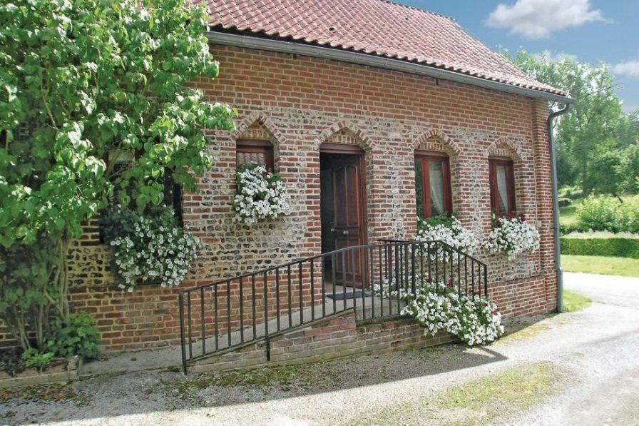 Villa in France, Embry: