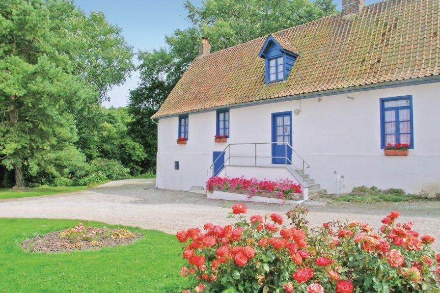 Villa in France, Vieil-Moutier: