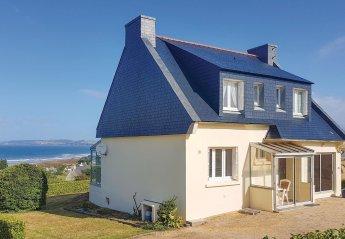 Villa in France, Plomodiern
