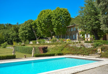 Villa in La Roque-d'Anthéron, the South of France