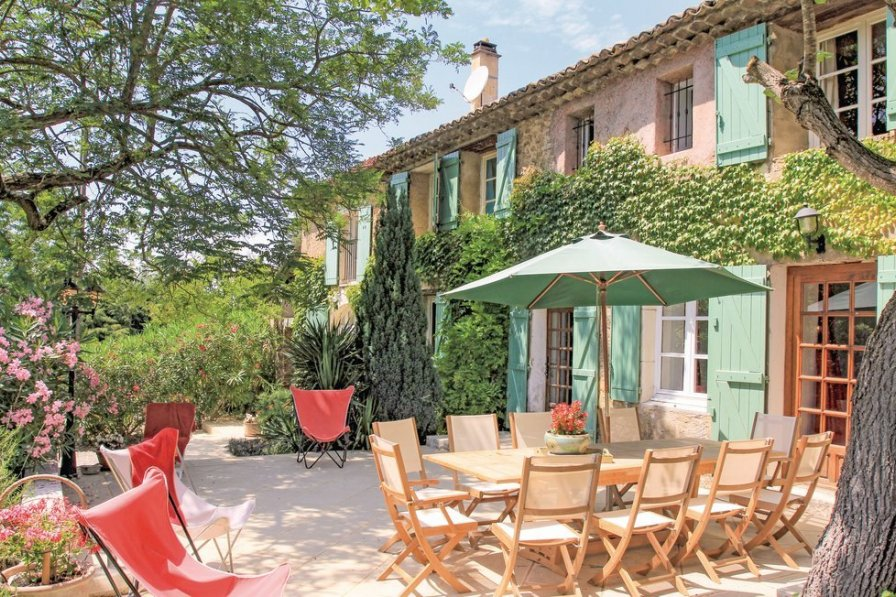 Villa in France, Mondragon