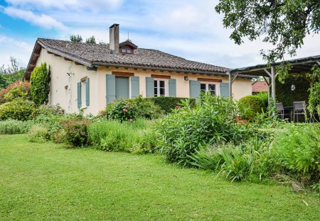 Villa in Bourgougnague, France
