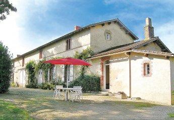 Villa in France, La Chapelle-Hermier: