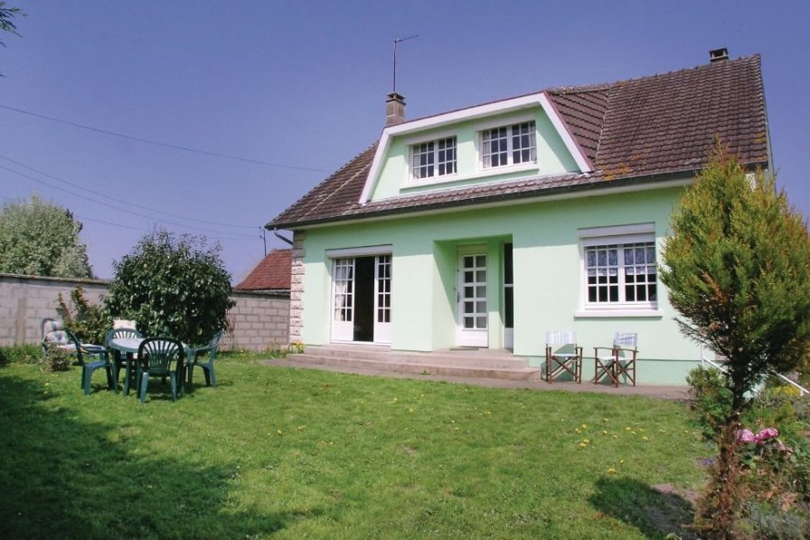 Villa to rent in Somme