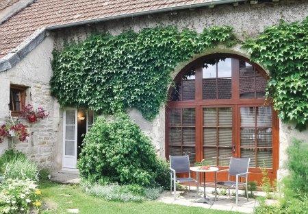 Villa in Molinot, France
