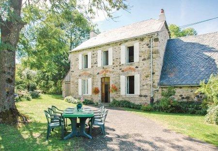 Villa in Riom-ès-Montagnes, France