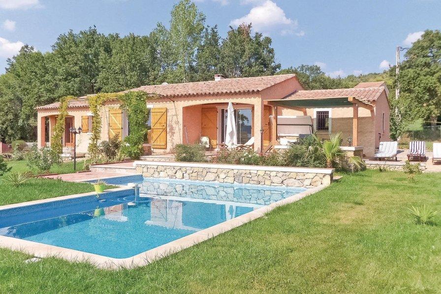 Villa in France, Villecroze