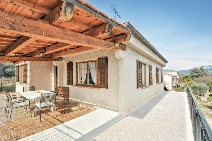 Apartment with shared pool in Les Ecarts-Village-Plans de Carros