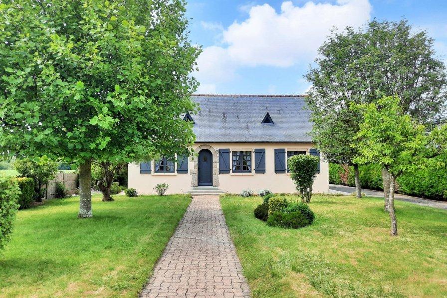 Villa in France, La Fresnais