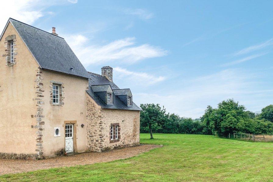 Villa in France, Rouessé-Vassé