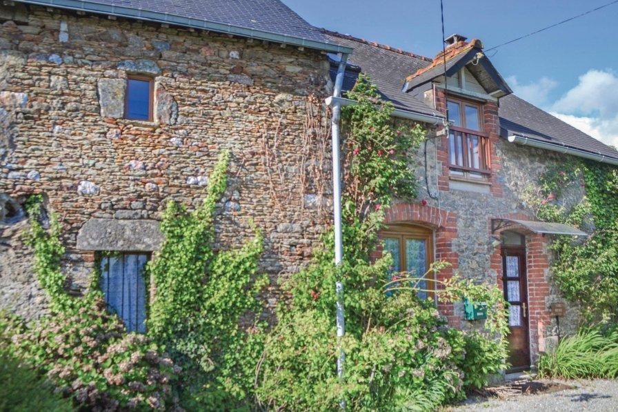Villa in France, Ménéac