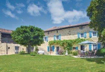 Villa in France, Suaux