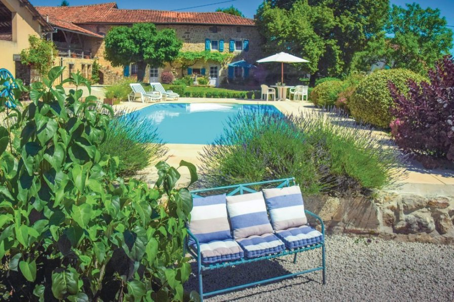 Villa with private pool in Charente