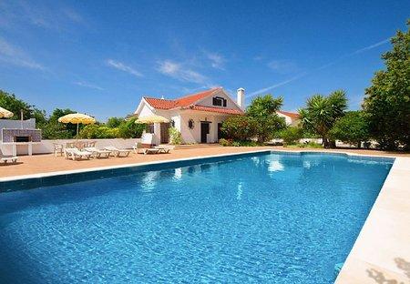 Villa in Santiago (Tavira), Algarve: Large private swimming pool (10m x 5m) to refresh sun-scorche..