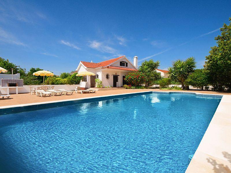 Villa in Portugal, Tavira: Large private swimming pool (10m x 5m) to refresh sun-scorched bodies