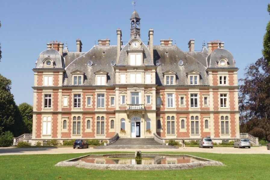 Apartment in France, Ocquerre