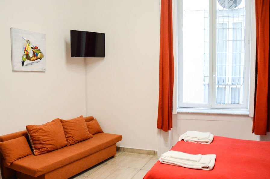 Studio apartment in Italy, Naples