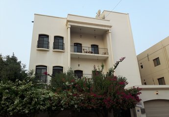 Apartment in Bahrain, Bahrain: If you're looking for a beautiful property & great location this is..