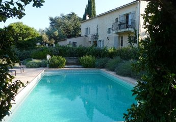 Farm House in France, La Garde Freinet: The secluded pool area