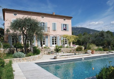 Apartment in Roquefort-les-Pins Nord, the South of France
