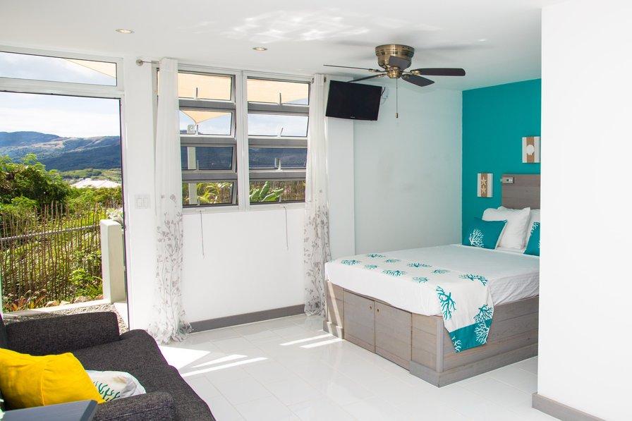 Bellevue Suites - SeaShell Suite