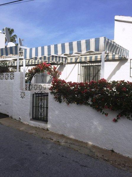 House in Spain, Urbanización los Claveles I y II