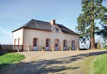 Villa in France, Daon
