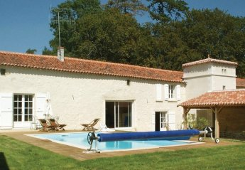 4 bedroom Villa for rent in Fontenay le Comte