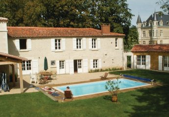 5 bedroom Villa for rent in Fontenay le Comte