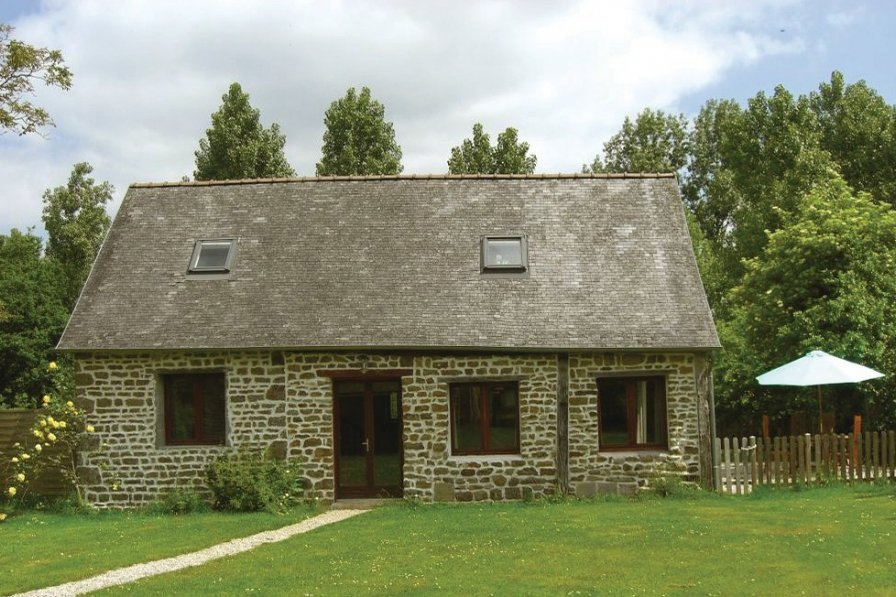 Villa rental in Mayenne with pool
