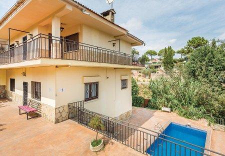 Villa in Maçanet Residencial Parc, Spain