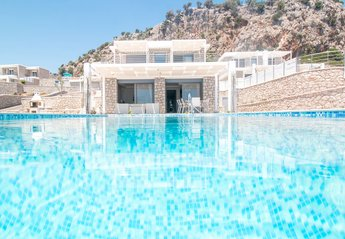 4 bedroom Villa for rent in Afandou