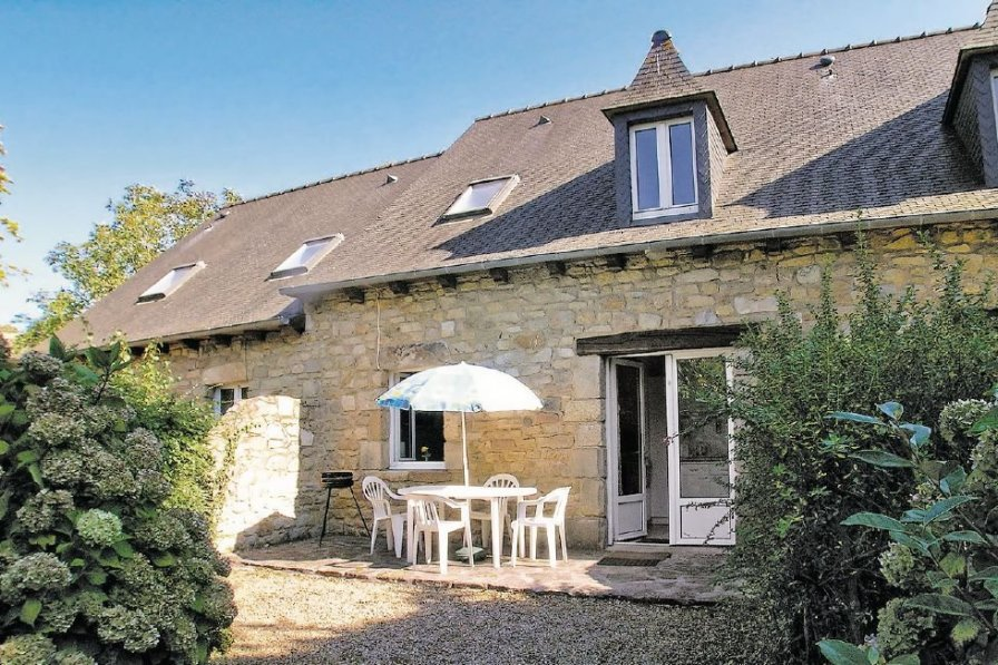 Villa rental in Cotes-d'Armor