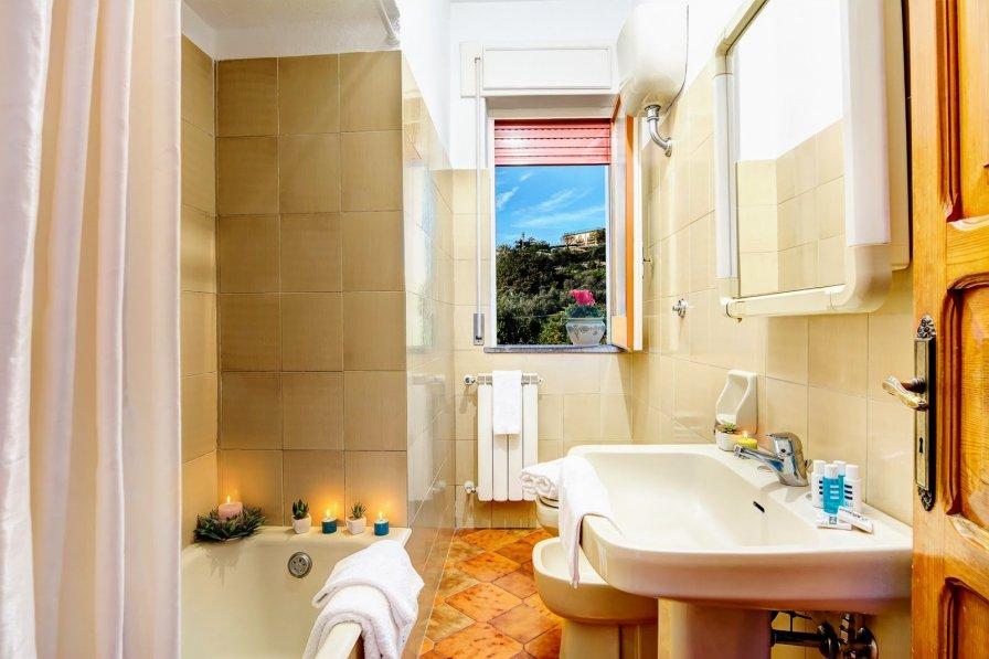 House in Italy, Termini