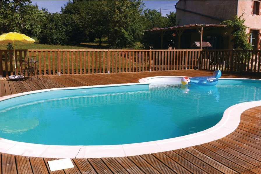 Villa rental in Deux-Sevres with pool