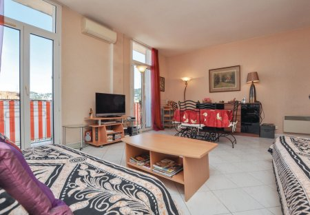 Apartment in Saint-Nicolas, the South of France