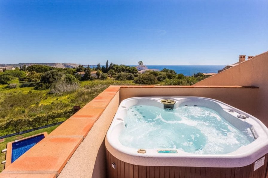 Mar da Luz two bedroom apartment with hot tub and sea view - 117