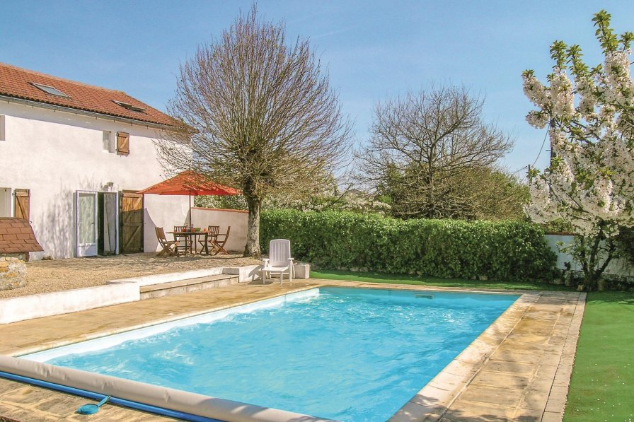 Vendee holiday villa rental with private pool
