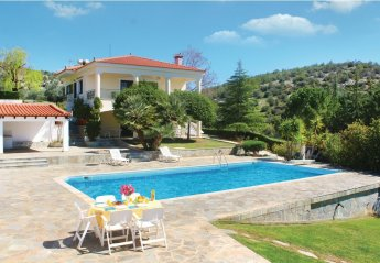 Apartment in Greece, Evia: Please fill in pool