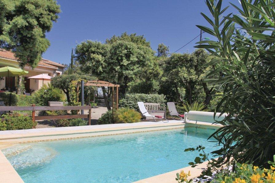 Villa in France, Bédarrides