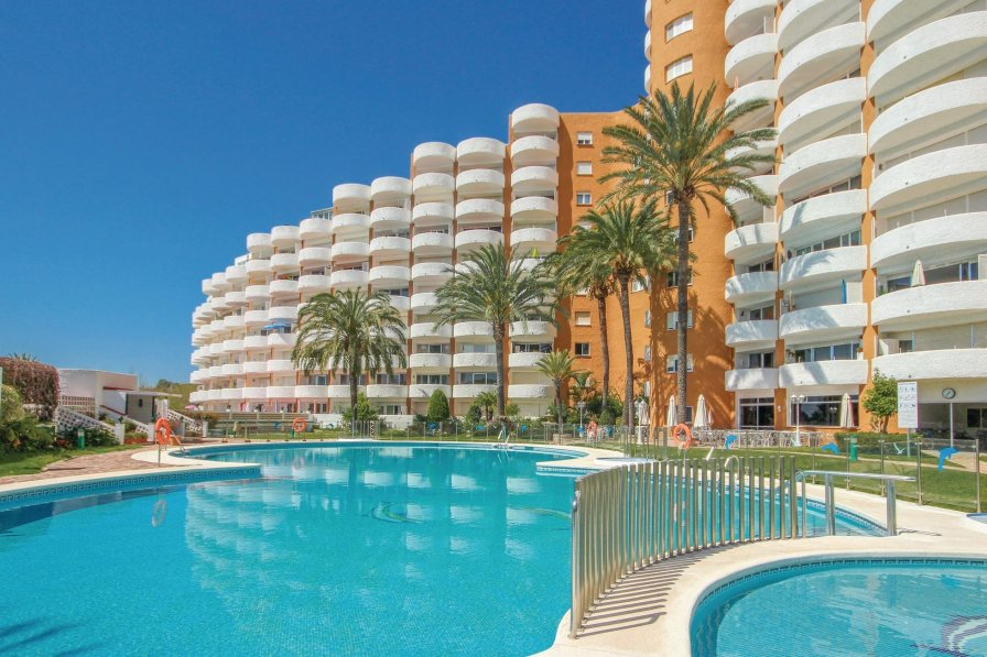 Apartment To Rent In Marbesa Spain With Shared Pool 196636