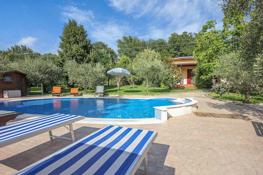 Villa in Italy, Monteroduni