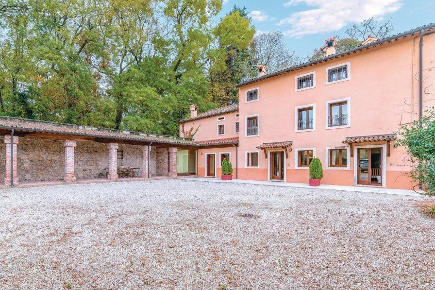 Apartment in Italy, Castelgomberto