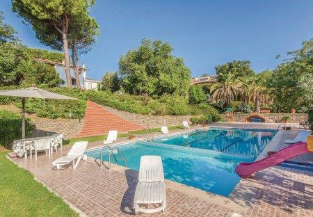 Villa in Poggio delle Ginestre, Italy