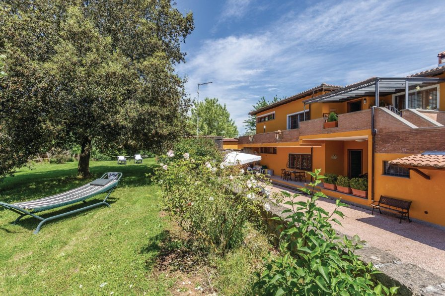 Apartment in Italy, Canale Monterano