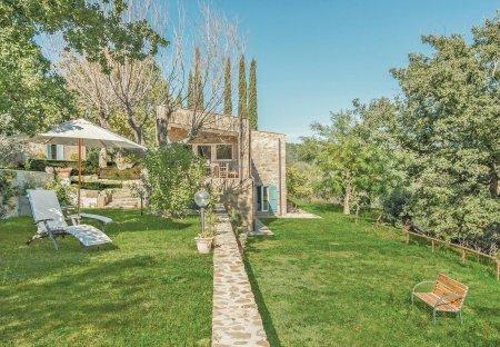 Villa in Pereta, Italy
